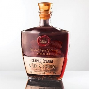 Cognac Old Country 8* 40% 0.5L